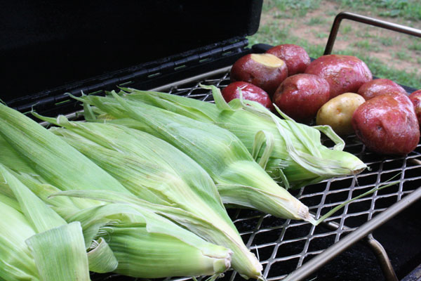 corn_potatoes_on_smoker